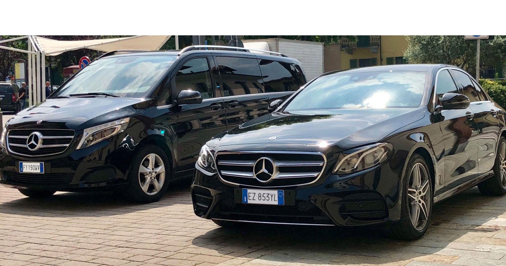 due mercedes benz minivan e classe E nere parcheggiate